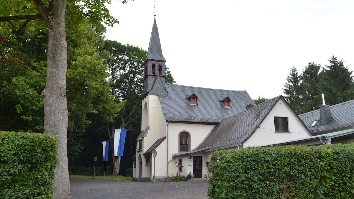 Andacht an der Kapelle Beselich